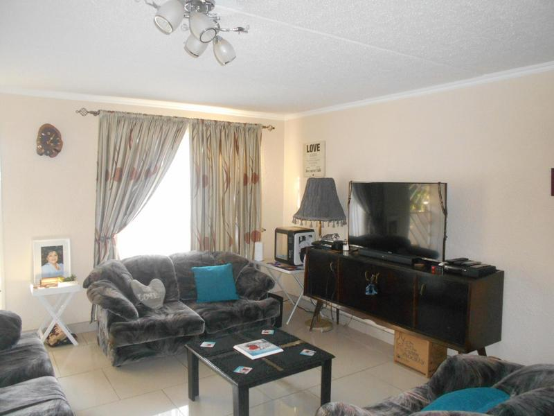 Property For Rent in Glen Marais, Kempton Park 6